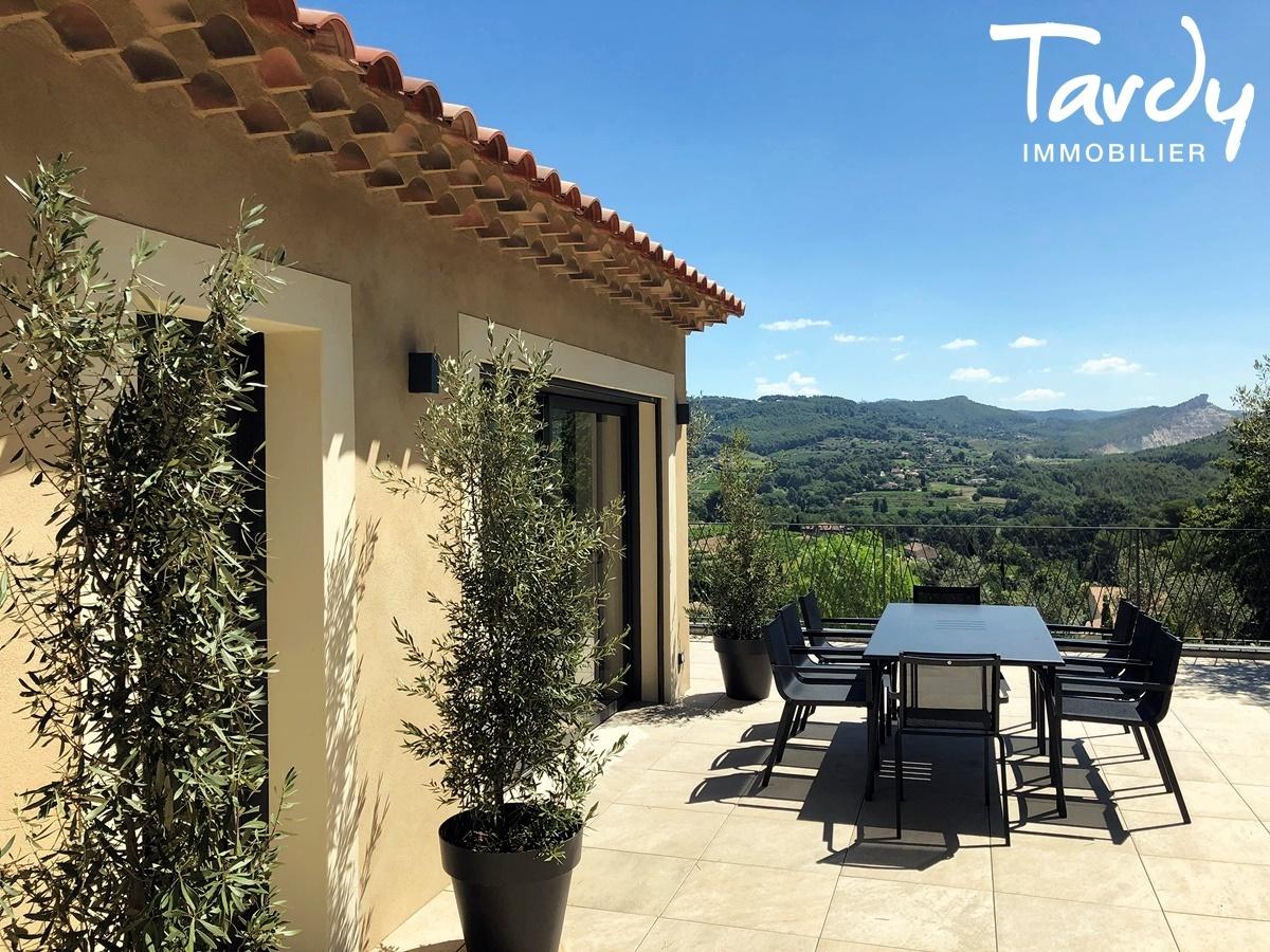 Villa contemporaine, vue dégagée campagne - 83740 La Cadière d'Azur - La Cadière-d'Azur - VILLA CAMPAGNE
