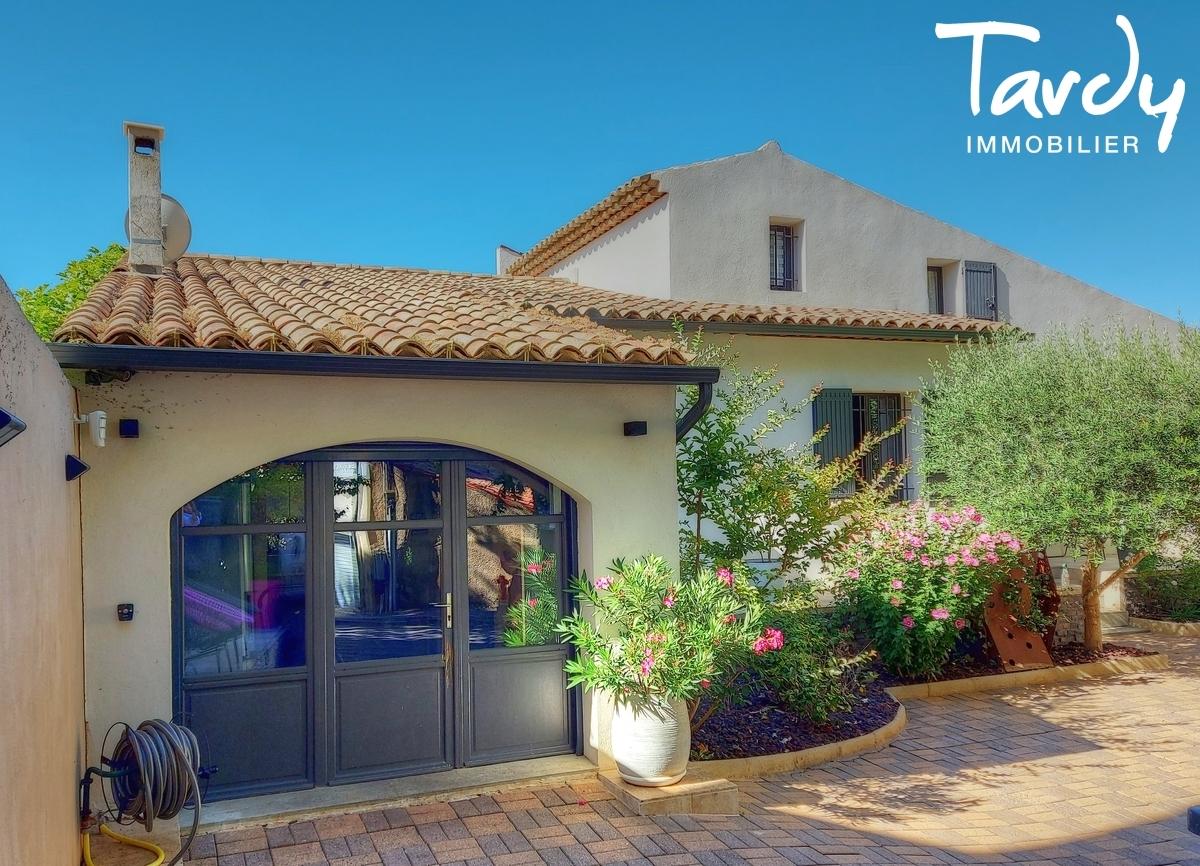 Maison de ville contemporaine - centre ville à pied  - 84120 Pertuis - Aix-en-Provence