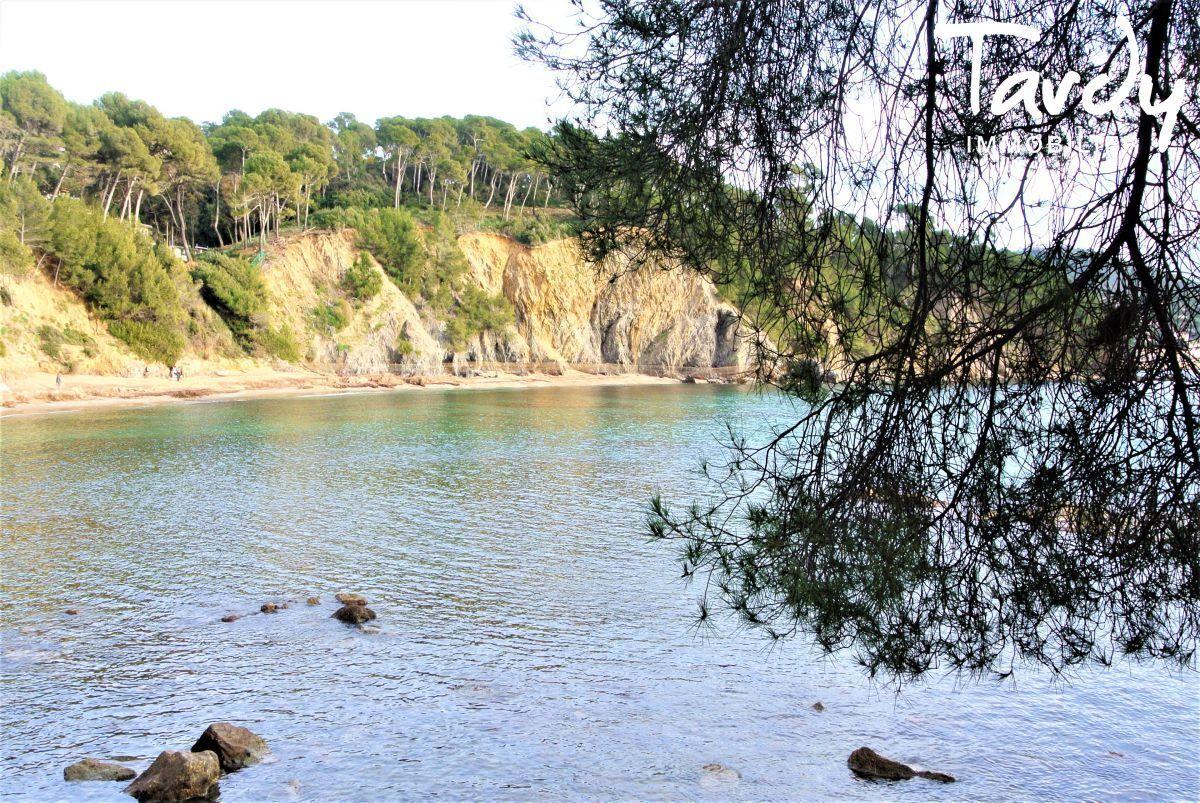 Villa vue mer domaine privé et accès mer - Les Bonnettes 83220 Le Pradet - Le Pradet - Crique des Bonnettes