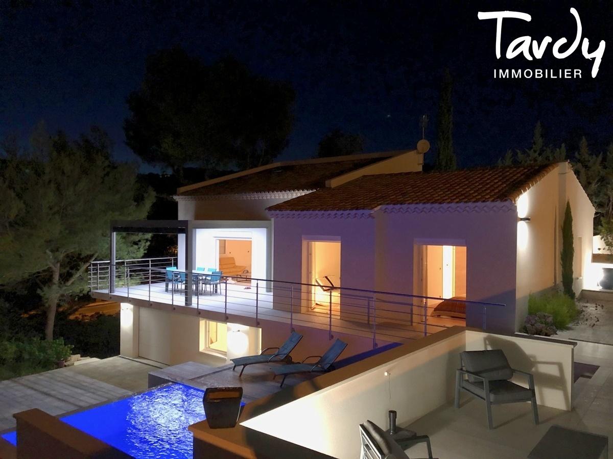 Villa vue campagne, proche port et plages - 83150 Bandol. - Bandol - PATTE BLANCHE 1ère MARQUE OFF-MARKET EN IMMOBILIER