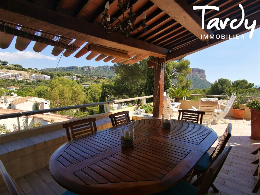 Villa ancienne, vue mer et Cap canaille - 13260 Cassis - Cassis