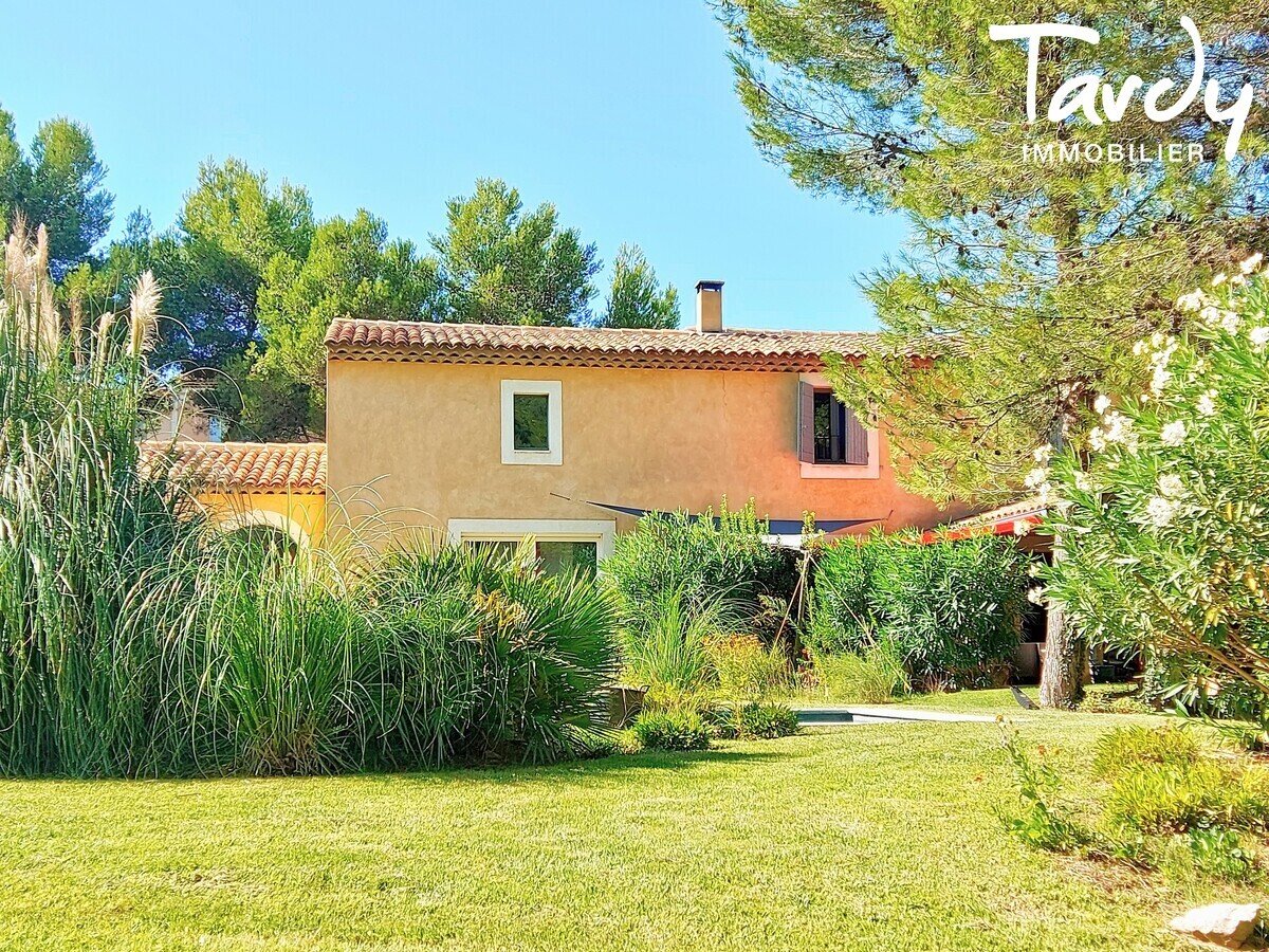 Villa provençale - dans résidence sécurisée - 13370 Golf Pont Royal - Mallemort