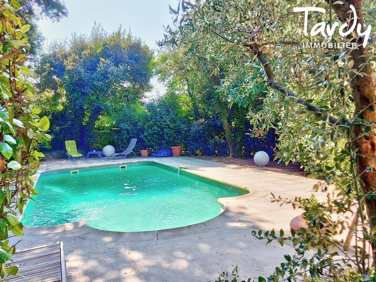 Villa rénovée - 5 chambres - VILLELAURE 84530 - Aix-en-Provence