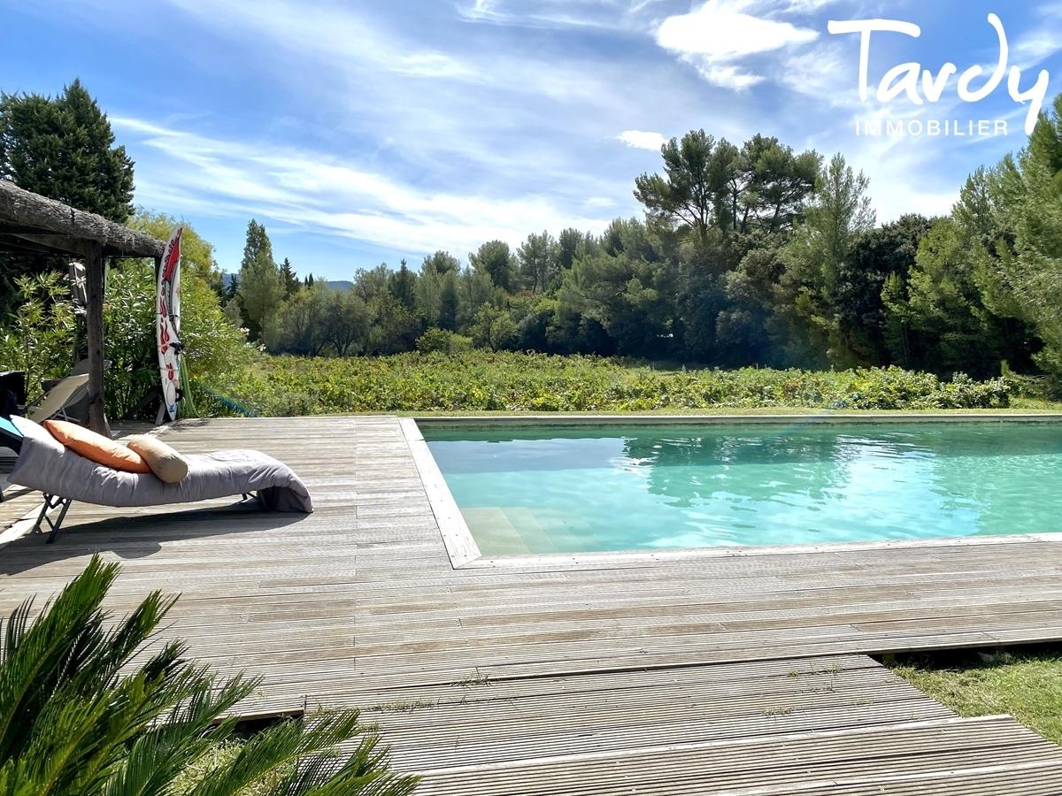 Contemporaine au milieu de vignes - 83330 Le Castellet - Le Castellet