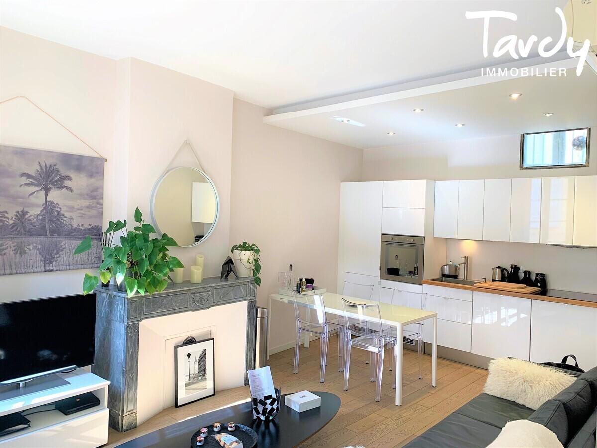 Superbe T3 Duplex avec terrasse situé en centre ville - quartier Mazarin - 13100 Aix en Provence - Aix-en-Provence