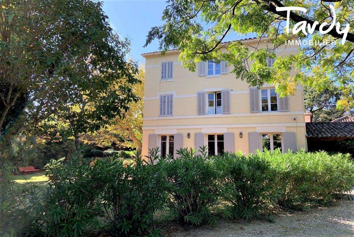Maison de maître, charme et calme  - Cap Brun 83000 Toulon - Toulon - Toulon
