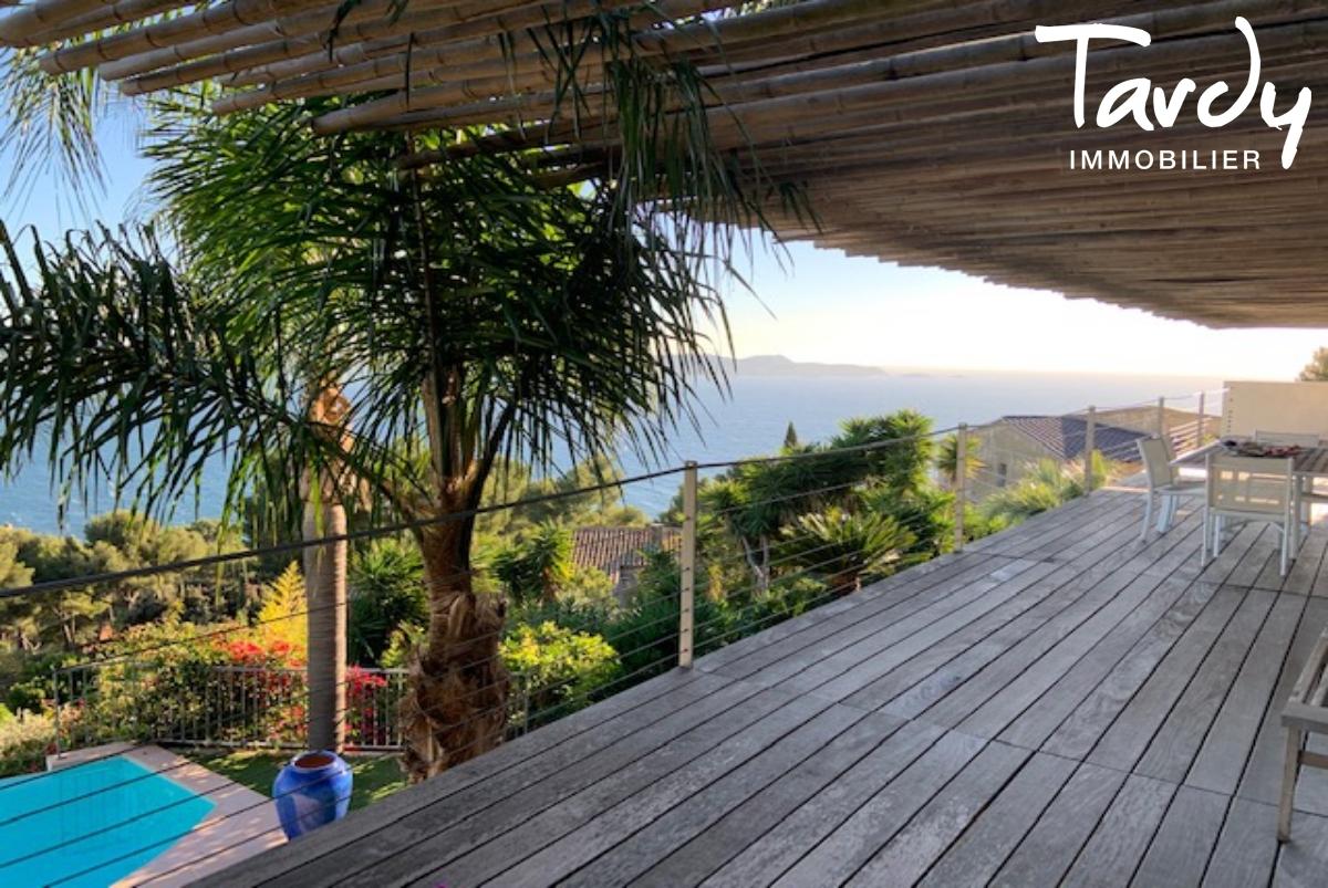 Villa contemporaine vue mer - Mont des Oiseaux 83320 Carqueiranne - Carqueiranne - Contemporaine