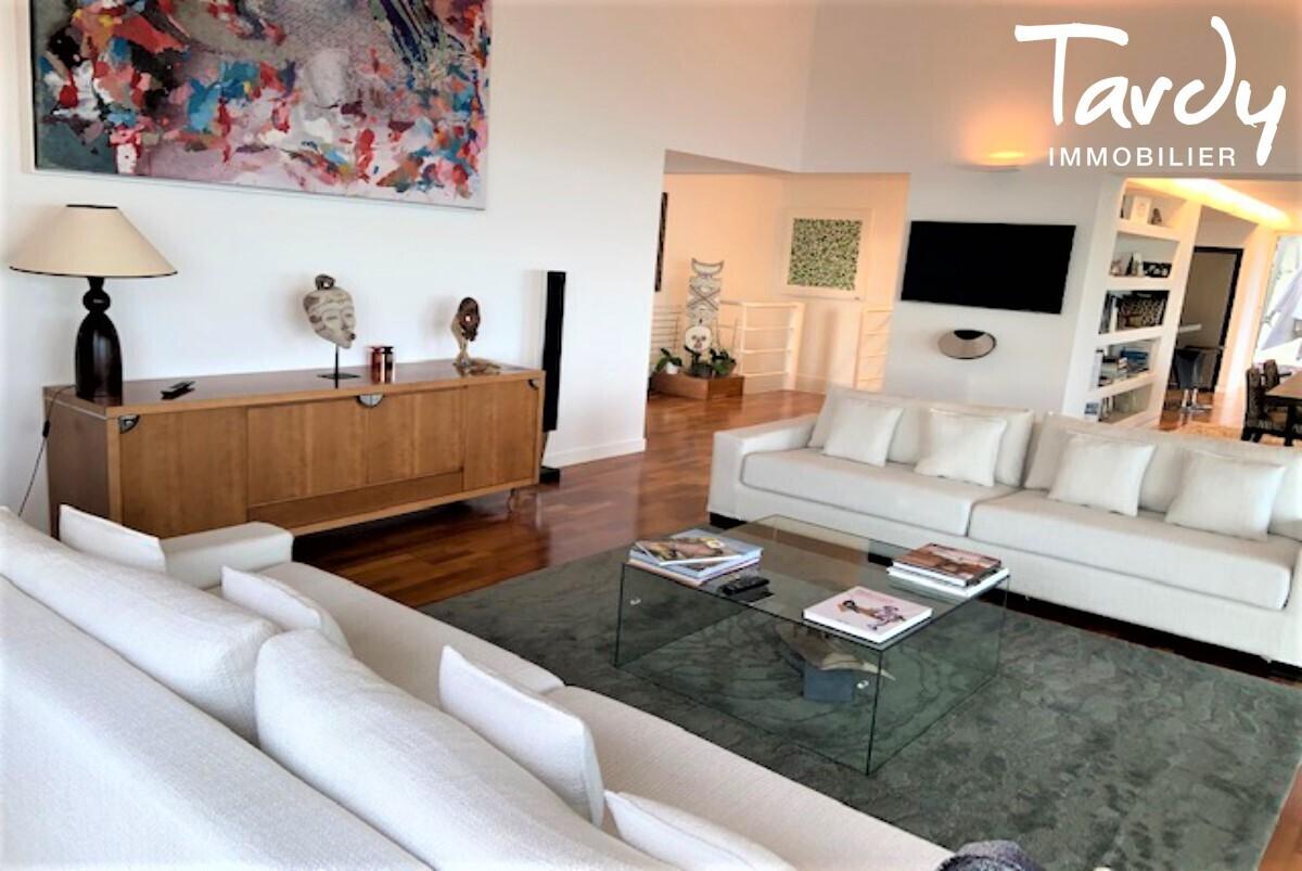 Villa contemporaine vue mer - Mont des Oiseaux 83320 Carqueiranne - Carqueiranne