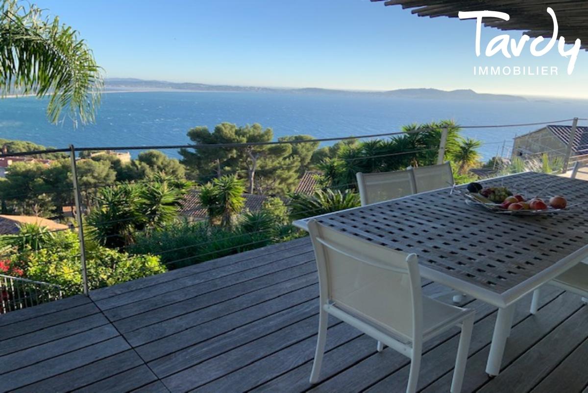 Villa contemporaine vue mer - Mont des Oiseaux 83320 Carqueiranne - Carqueiranne - Mont des Oiseaux