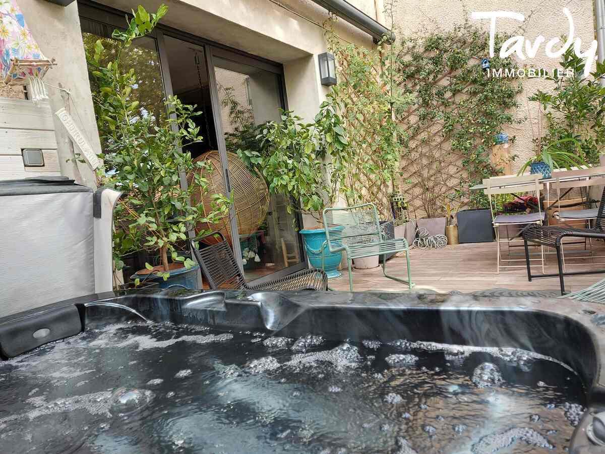 Maison de ville avec garage et terrasse - centre village -  13510 Eguilles - Aix-en-Provence