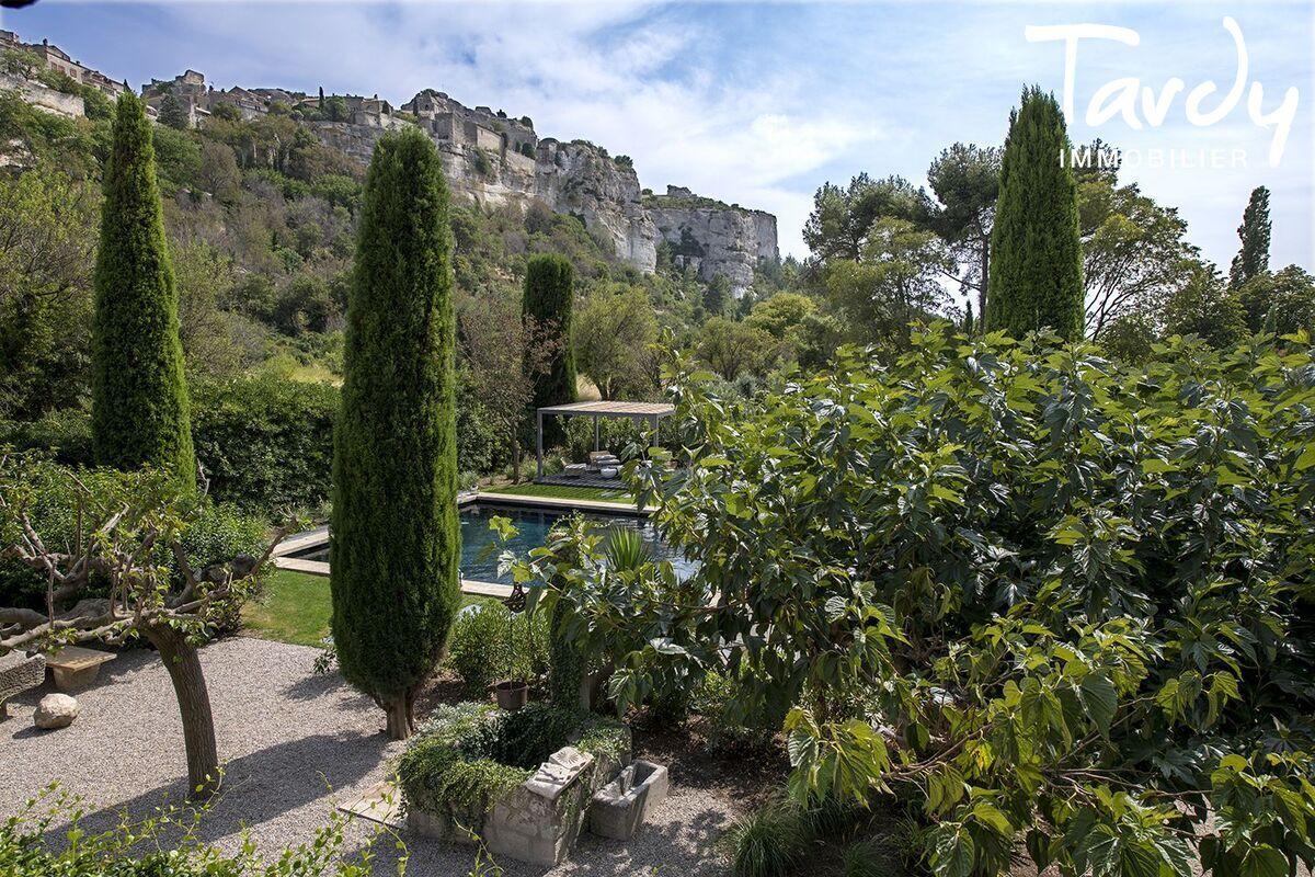 Un site fort dans un village de caractère - 13520 Les Baux de Provence - Les Baux-de-Provence