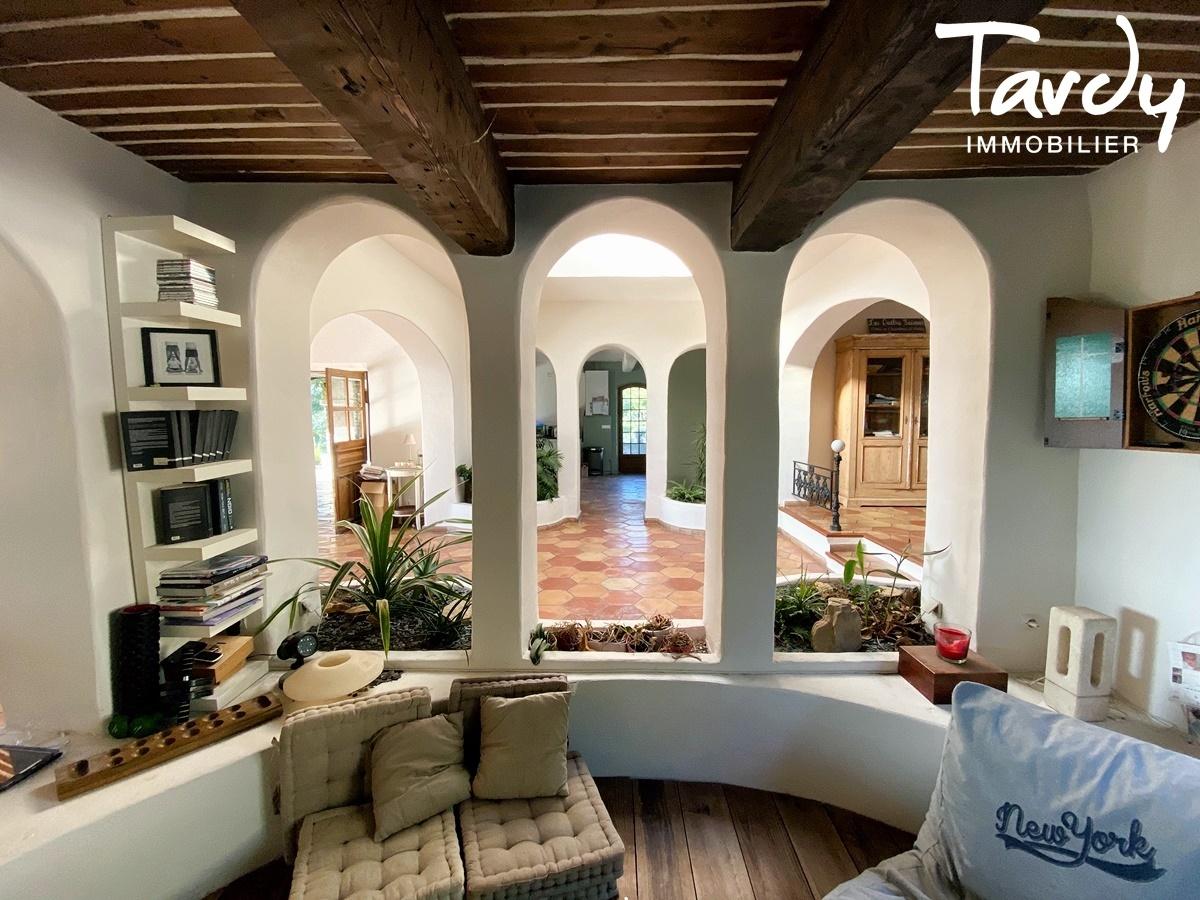 Longère Provençale, les vues, le charme et la pierre -  83330 LE CASTELLET - Le Castellet - PROPRIETE FAMILIALE