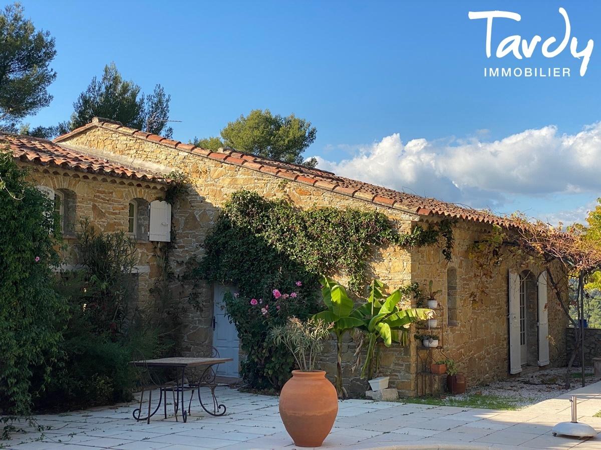 Longère Provençale, les vues, le charme et la pierre -  83330 Le Castellet - Le Castellet - PATTE BLANCHE