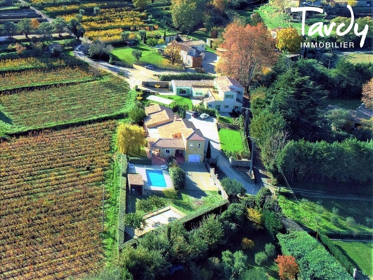 Propriété au cœur d'un domaine viticole - 83330 Le Beausset  - Le Beausset - NOUVEAUTE TARDY IMMOBILIER