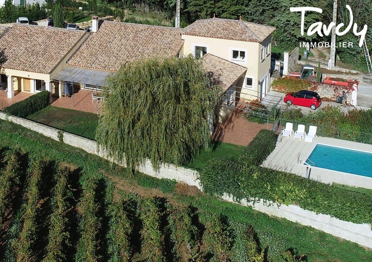 Propriété au cœur d'un domaine viticole - 83330 LE BEAUSSET - Le Beausset