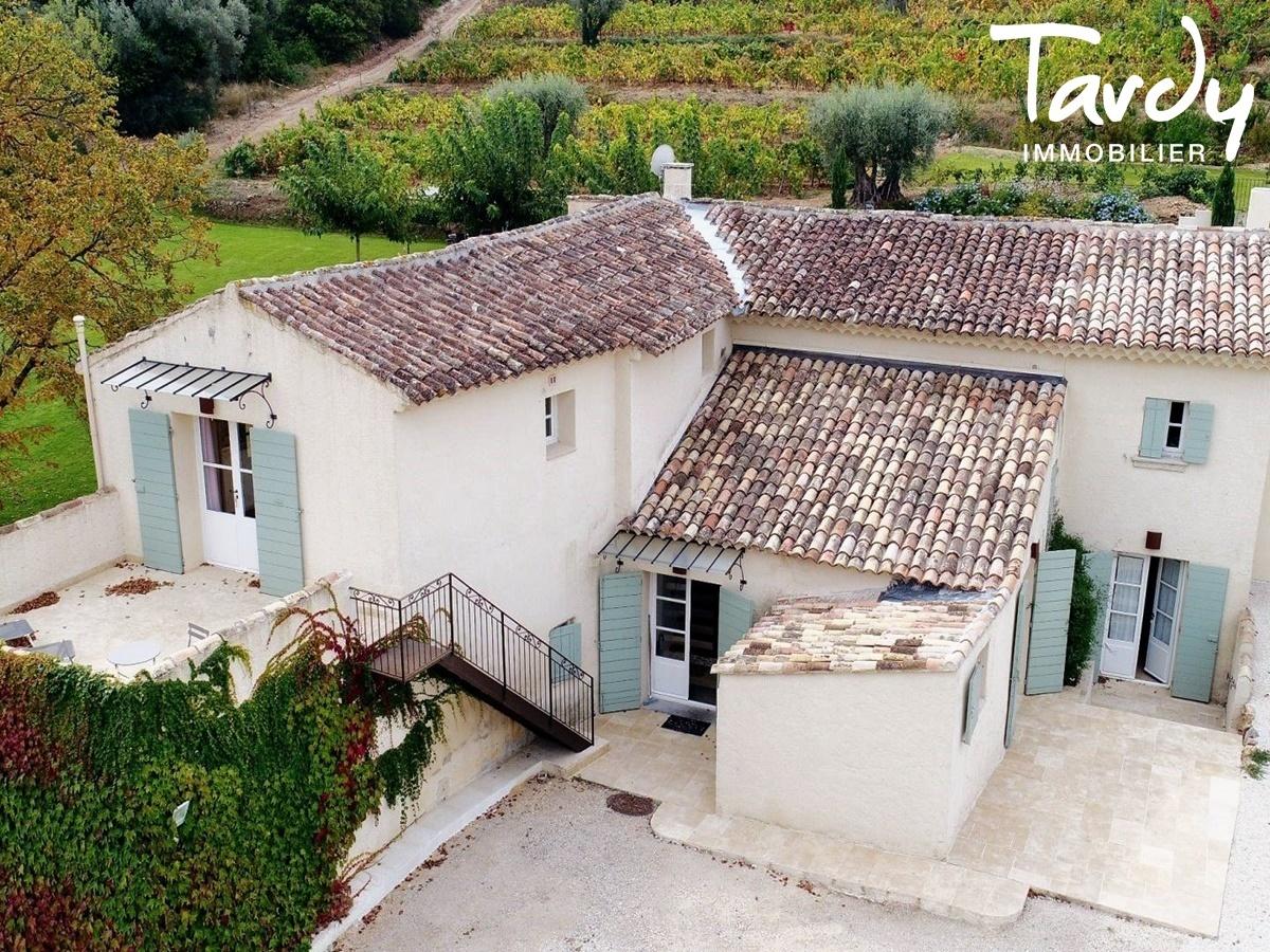 Propriété au cœur d'un domaine viticole - 83330 Le Beausset  - Le Beausset - PATTE BLANCHE 1ERE MARQUE OFF-MARKET EN IMMOBILIER