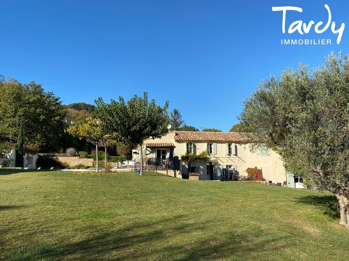 Propriété au cœur d'un domaine viticole - 83330 Le Beausset  - Le Beausset - NOUVEAUTE