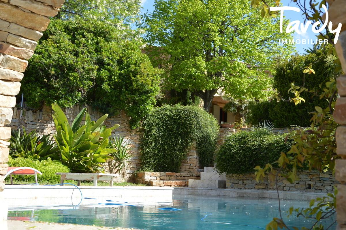 Caractère d'une batisse en pierre, vue mer et collines - 83740 La Cadière d'Azur - La Cadière-d'Azur - 83740 La Cadière d'Azur Tardy Immobilier