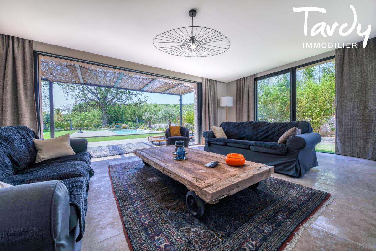 Villa contemporaine - 100 mètres de la plage - Saint Tropez - Saint-Tropez - Agence immobiliere de luxe Golfe de Saint-Tropez