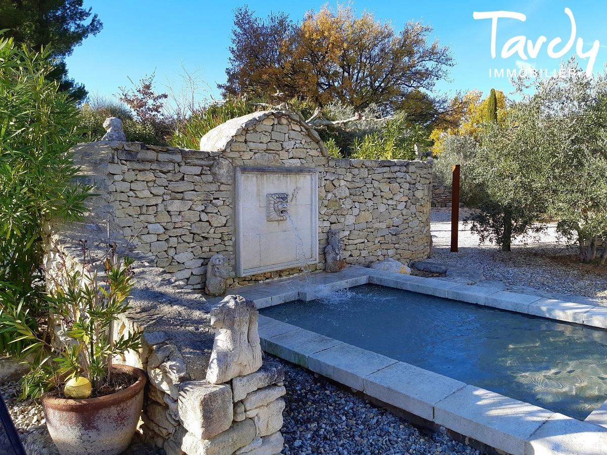 Maison de charme en Luberon avec dépendance - 84480 Lacoste - Lacoste