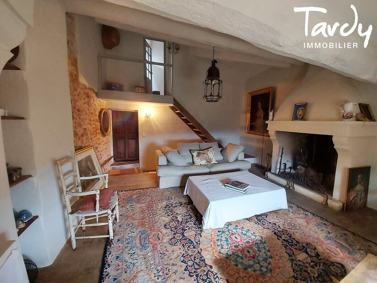 Maison de village - proche commodités - 84220 ROUSSILLON - Roussillon