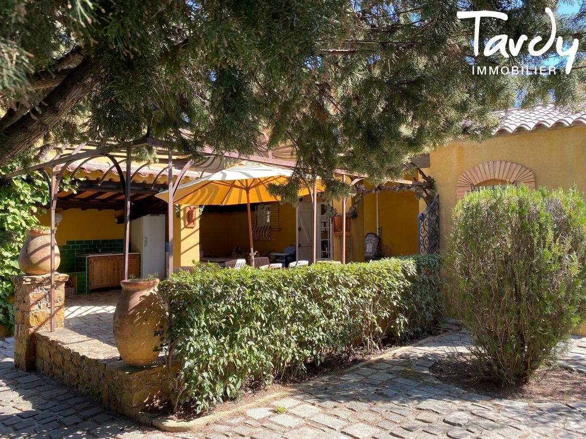Villa campagne - 83330 Le Castellet - Le Castellet - PATTE BLANCHE