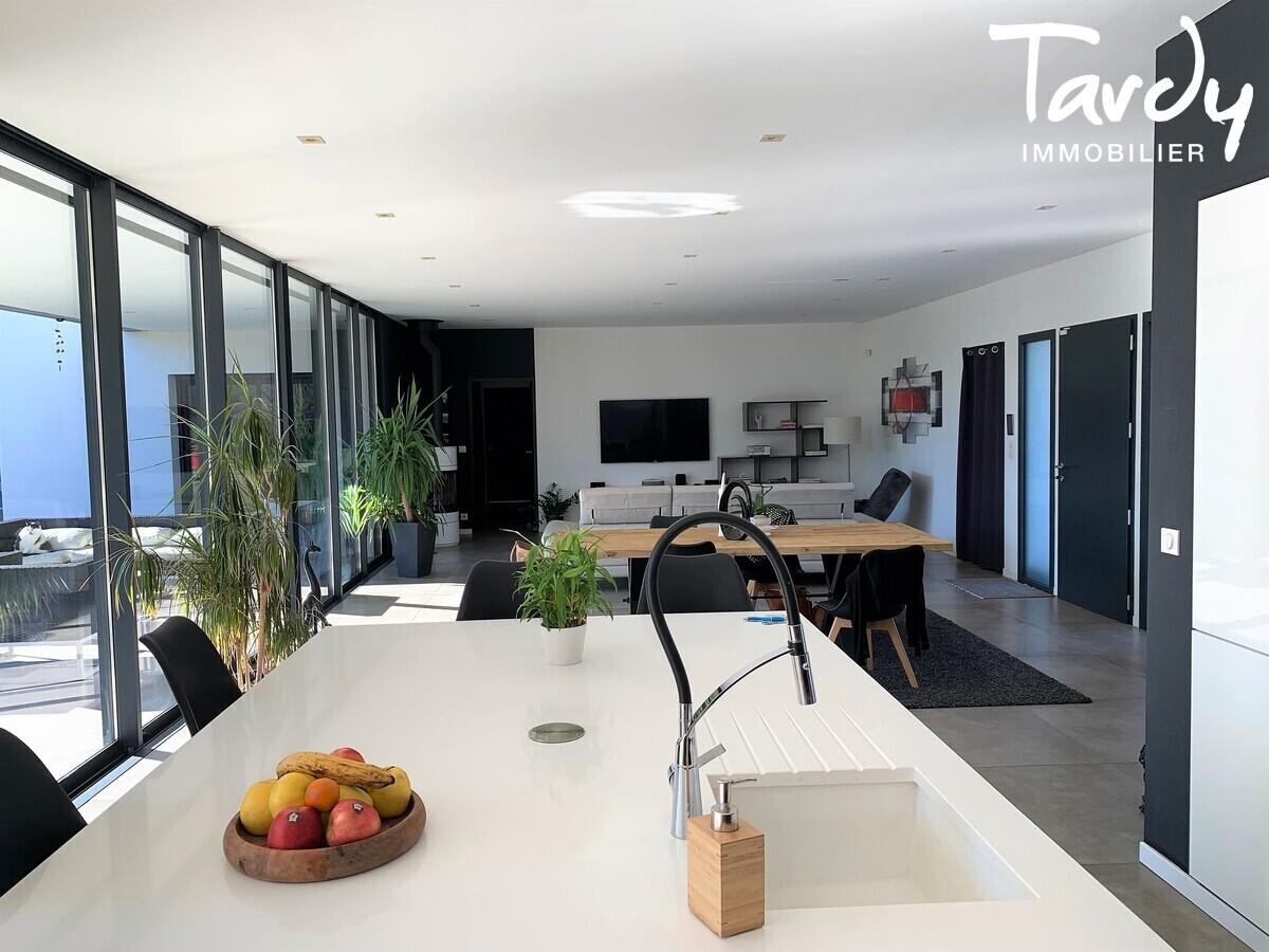 Maison d'Architecte - Contemporaine et lumineuse - Proche Aix en provence  - Aix-en-Provence - Grande pièce de vie