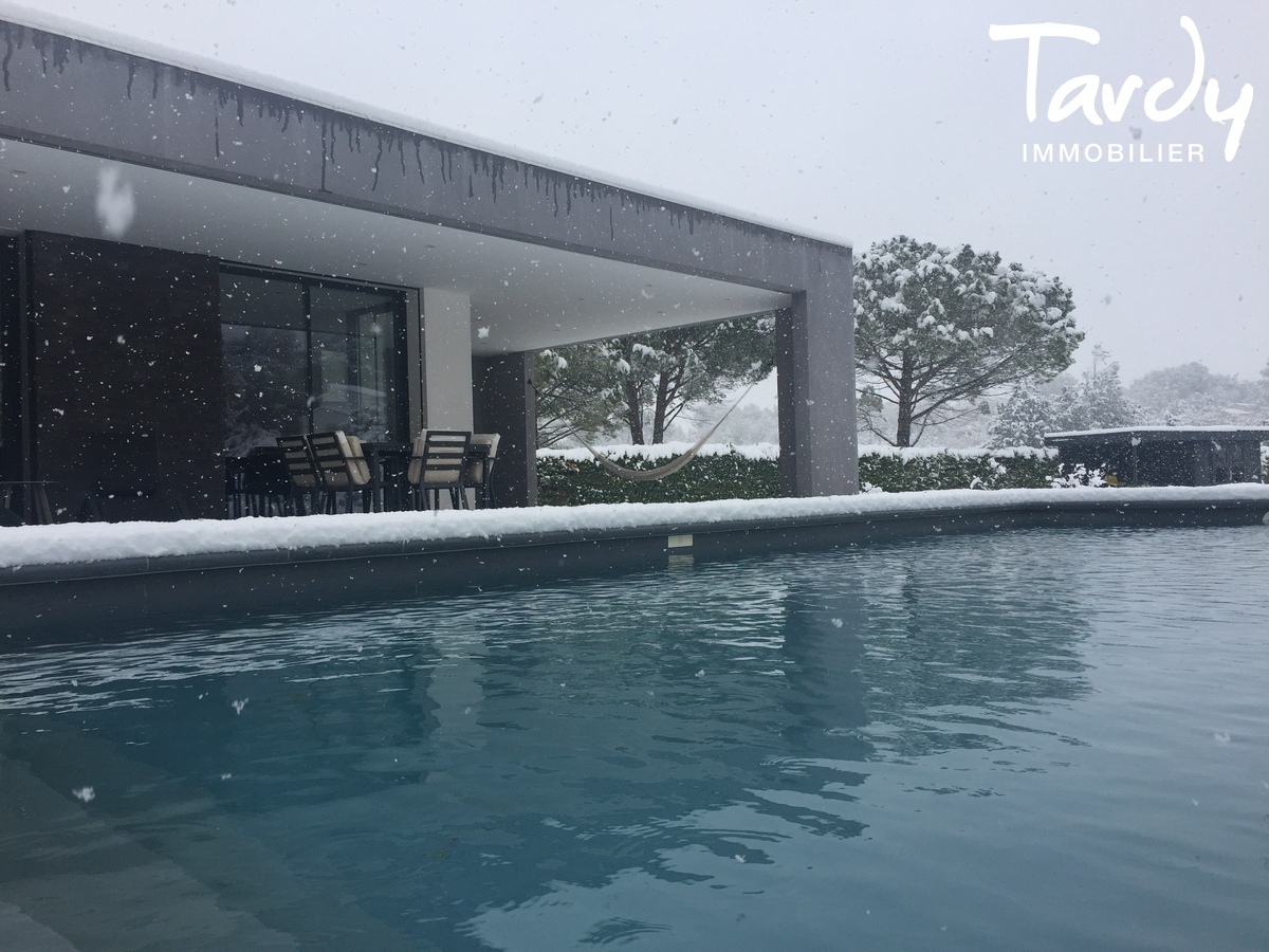 Maison d'Architecte contemporaine  - Proche Aix en Provence  - Aix-en-Provence - sous la neige