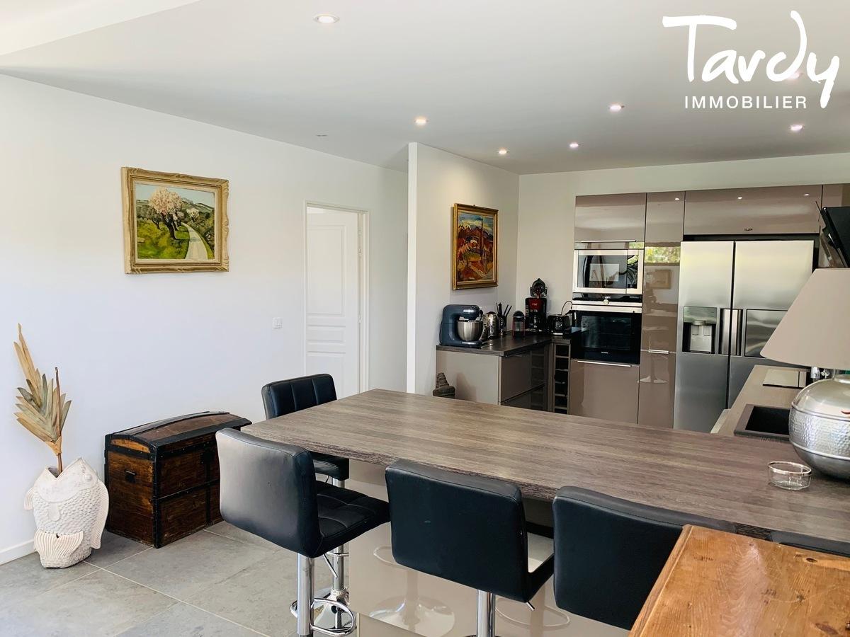 Maison contemporaine, 15 mns du centre ville - 83270 St Cyr sur mer - Saint-Cyr-sur-Mer - St Cyr maison cuisine ouverte