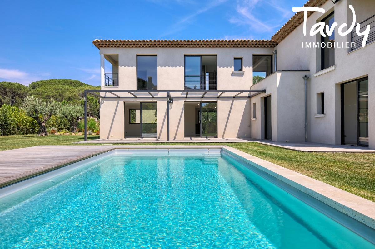 Villa neuve en FNR - 100 mètres de la plage - Saint Tropez - Saint-Tropez - Villa neuve avec piscine chauffée