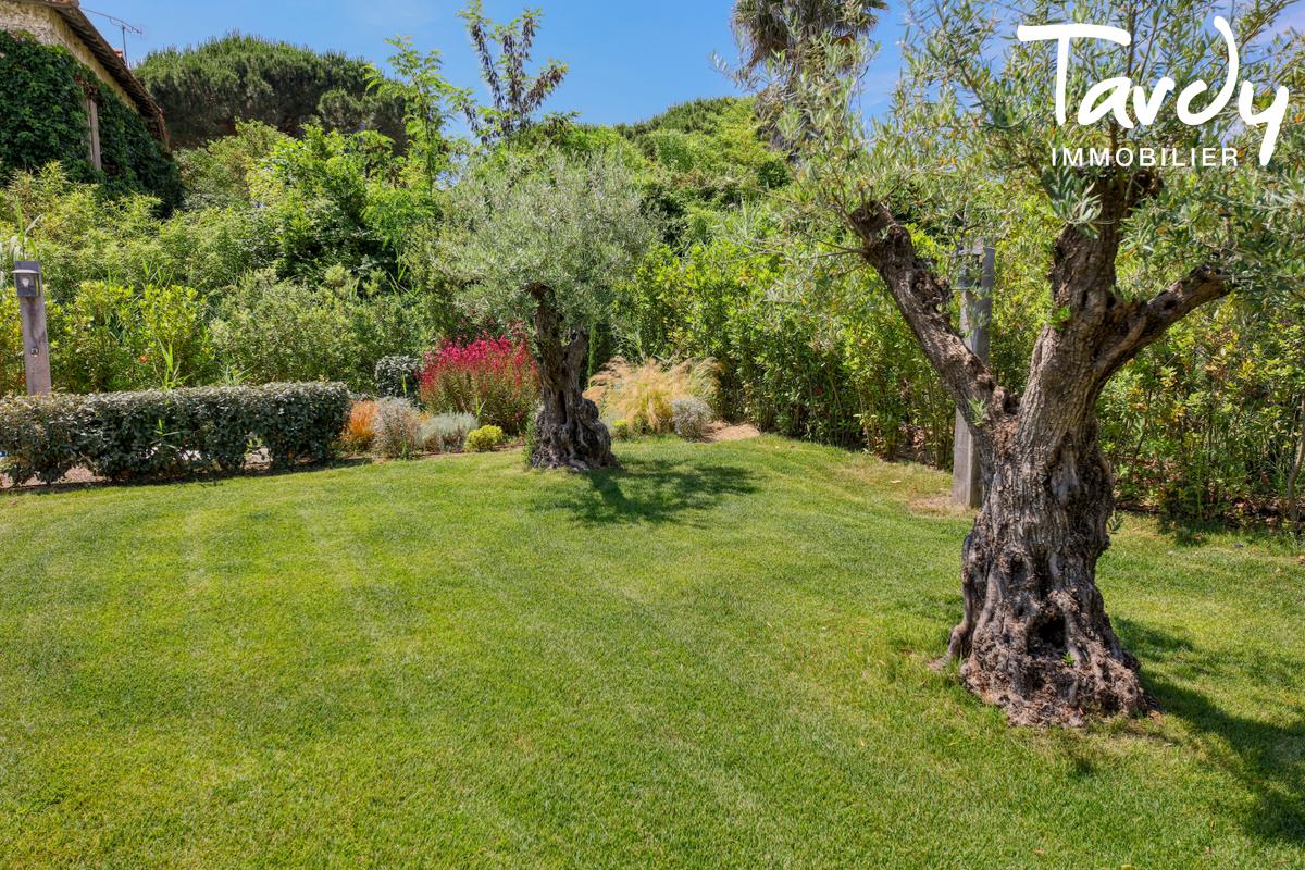 Villa neuve en FNR - 100 mètres de la plage - Saint Tropez - Saint-Tropez - Saint-Tropez contemporaine proche plage