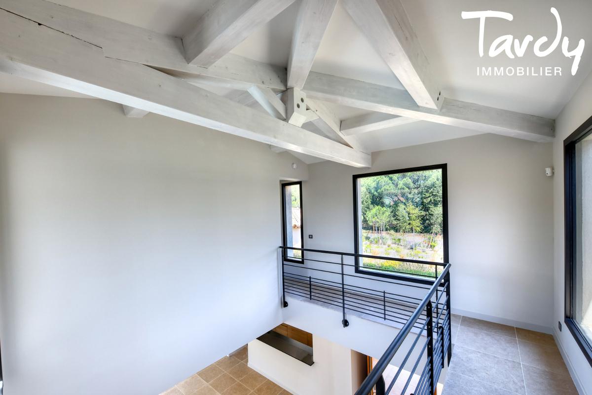 Villa neuve en FNR - 100 mètres de la plage - Saint Tropez - Saint-Tropez - villa moderne proche place des lices