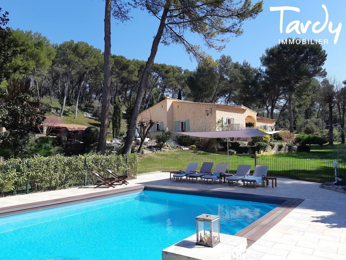 Belle maison avec dépendances - 13 100 AIX EN PROVENCE - Aix-en-Provence