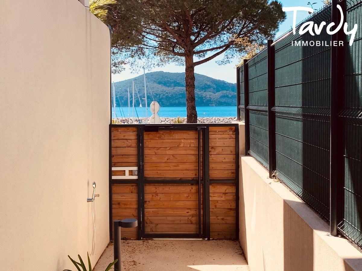 Appartement vue mer sur le port des Lecques - 83270 Saint-Cyr sur mer - Saint-Cyr-sur-Mer - immeuble vue mer saint cyr sur mer