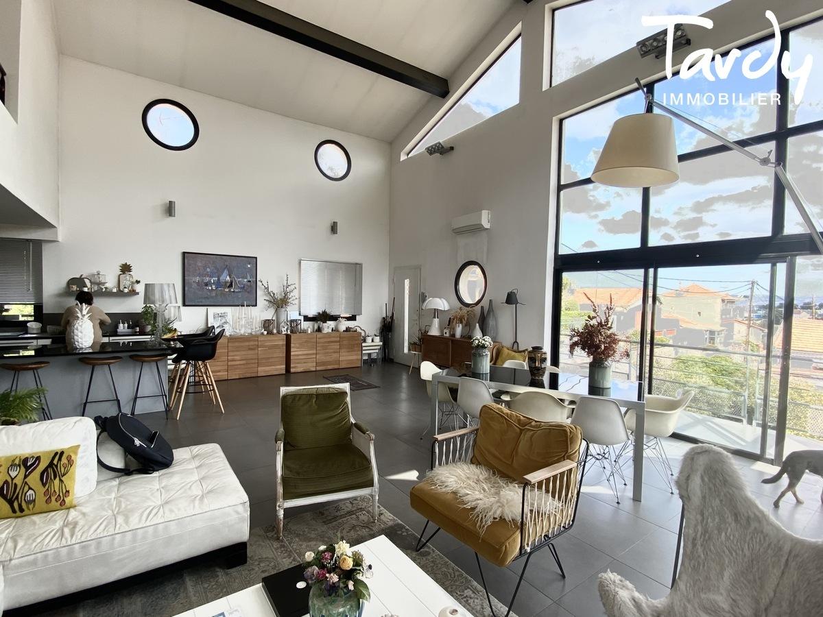 Villa  contemporaine -- 13007 Marseille - Marseille 7ème