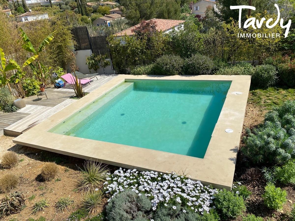 Villa vue mer, port et plage des Lecques à pieds - 83270 Saint-Cyr sur Mer - Saint-Cyr-sur-Mer - Villa contemporaine avec piscine 83270