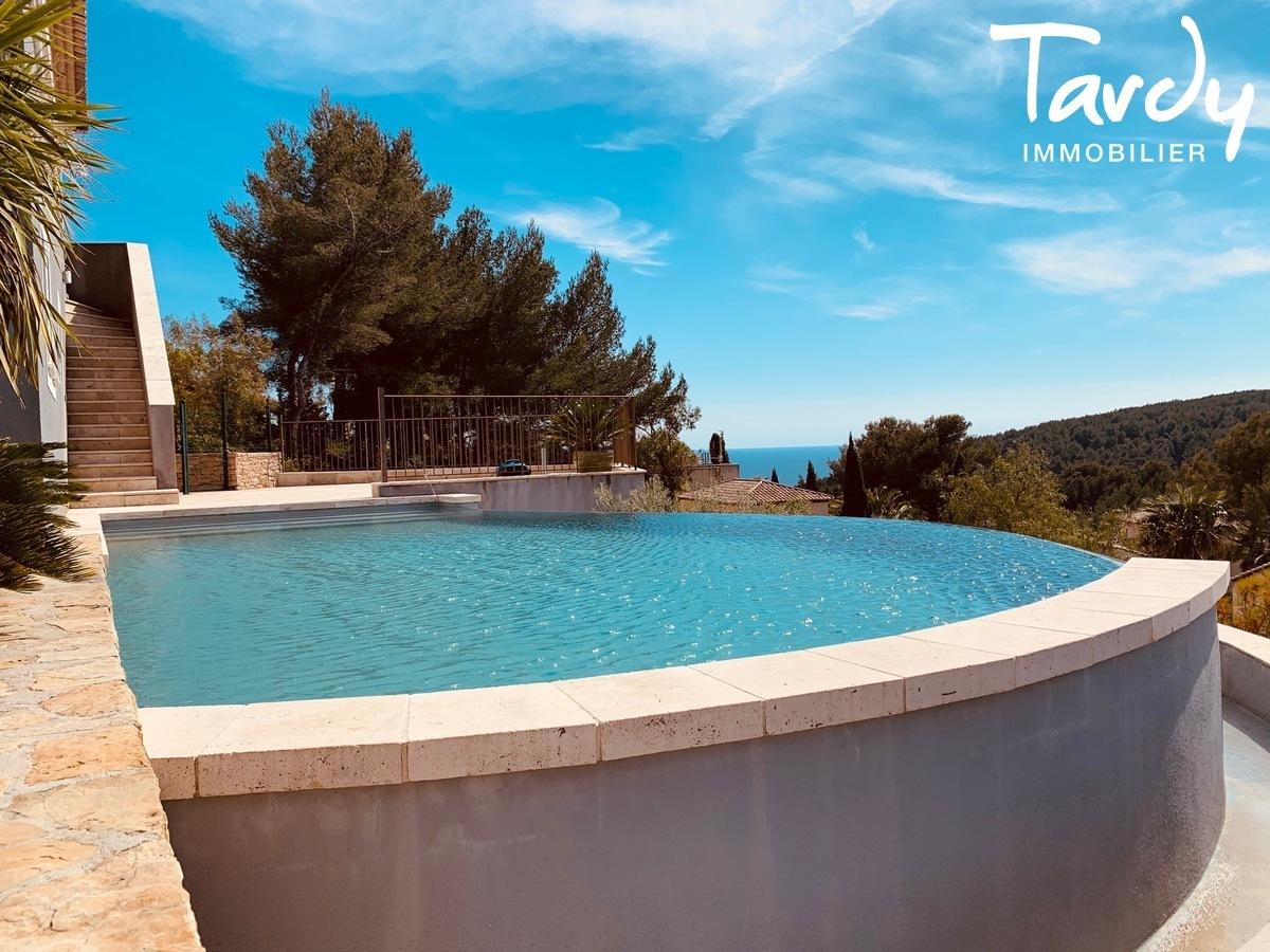 Grande villa avec vue - La garduère  Bandol 83150 - Bandol - piscine vue mer Bandol