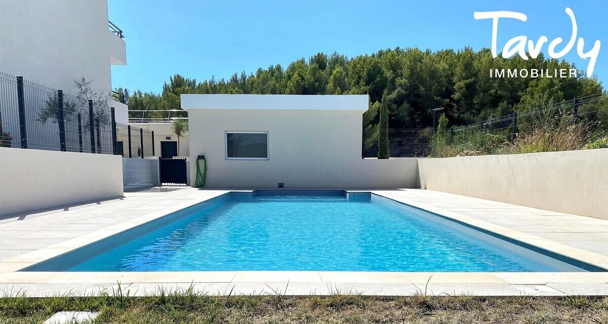 Appartement NEUF Contemporain - comme une villa - Bandol 83150  - Bandol - Piscine dans la résidence