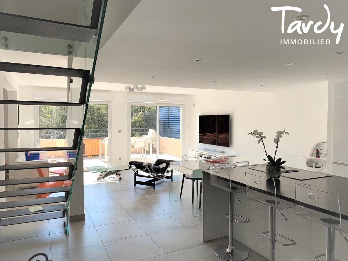 Appartement NEUF Contemporain - comme une villa - Bandol 83150  - Bandol - Contemporain et Design