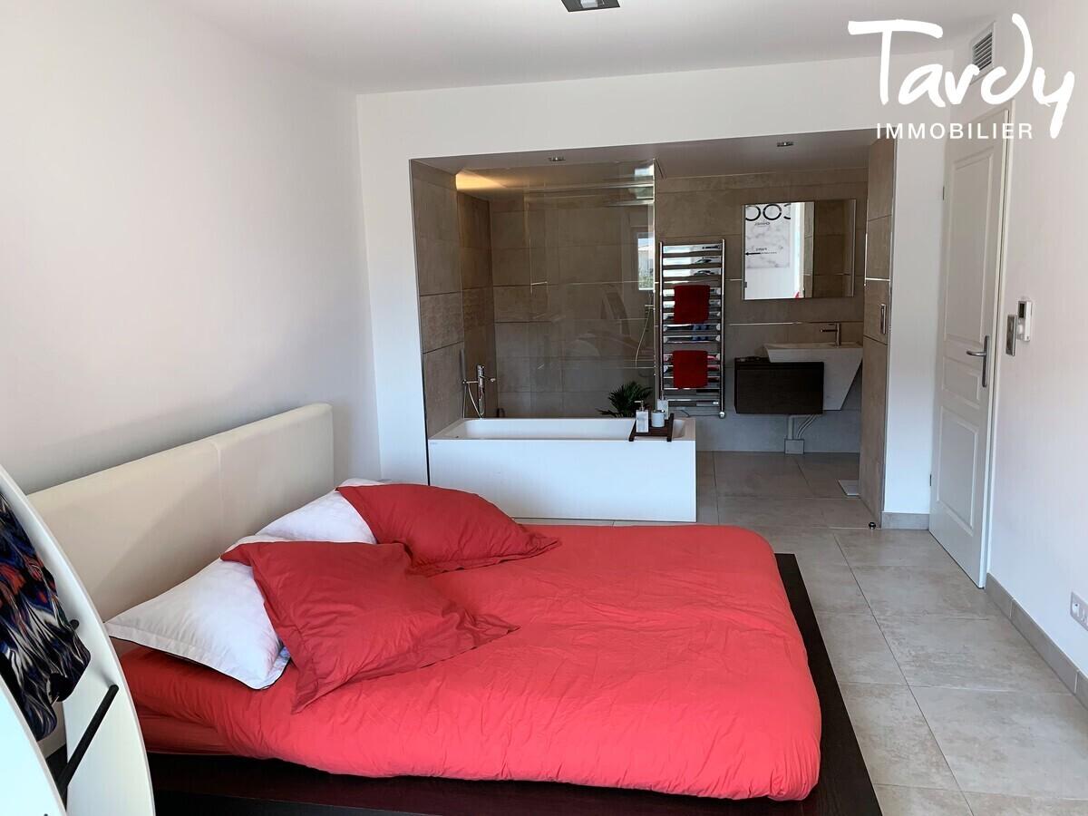Appartement NEUF Contemporain - comme une villa - Bandol 83150  - Bandol - Suite parentale avec dressing