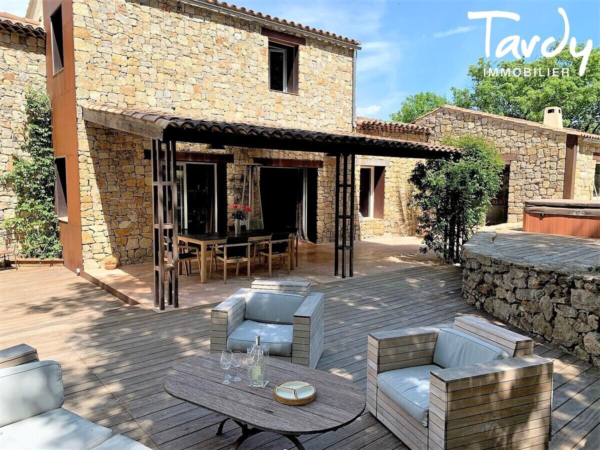 Grande Maison de Village - Atypique - Proche Nans les pins - 83170 Rougiers - Rougiers