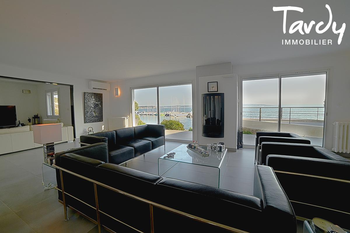 Superbe Villa Pieds dans l'eau - 13118 Istres - Istres