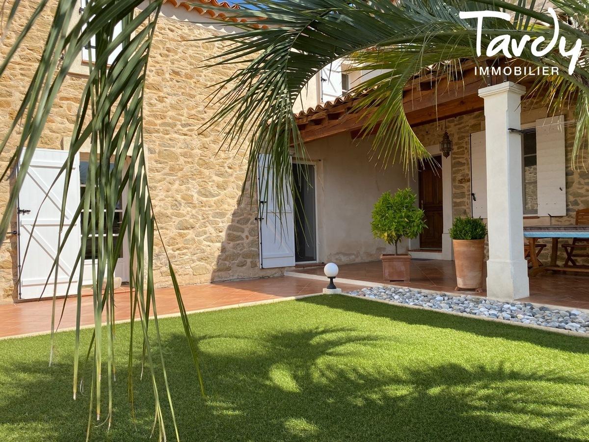 Ancienne maison de vigneron en pierre - 83330 LE CASTELLET - Le Castellet - PATTE BLANCHE