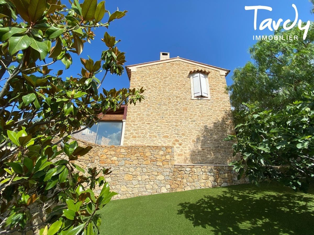 Ancienne maison de vigneron en pierre - 83330 LE CASTELLET - Le Castellet - SAINTE-ANNE DU CASTELLET