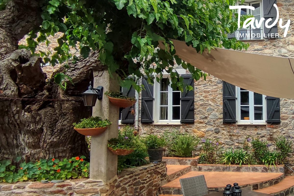Bâtisse historique  du 16ème  sur 6 hectares- 83310 GRIMAUD - Grimaud - Bien d'exception à Saint-Tropez Var