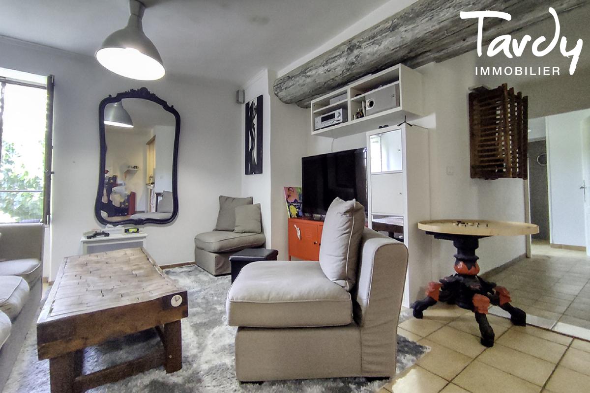Bâtisse historique  du 16ème  sur 6 hectares- 83310 GRIMAUD - Grimaud - Steinhaus in den Weinbergen Côte d'Azur
