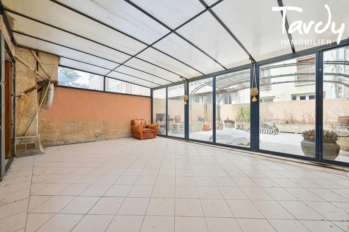 Maison de ville avec terrasse à deux pas du Cours Mirabeau - 13 100 AIX EN PROVENCE - Aix-en-Provence
