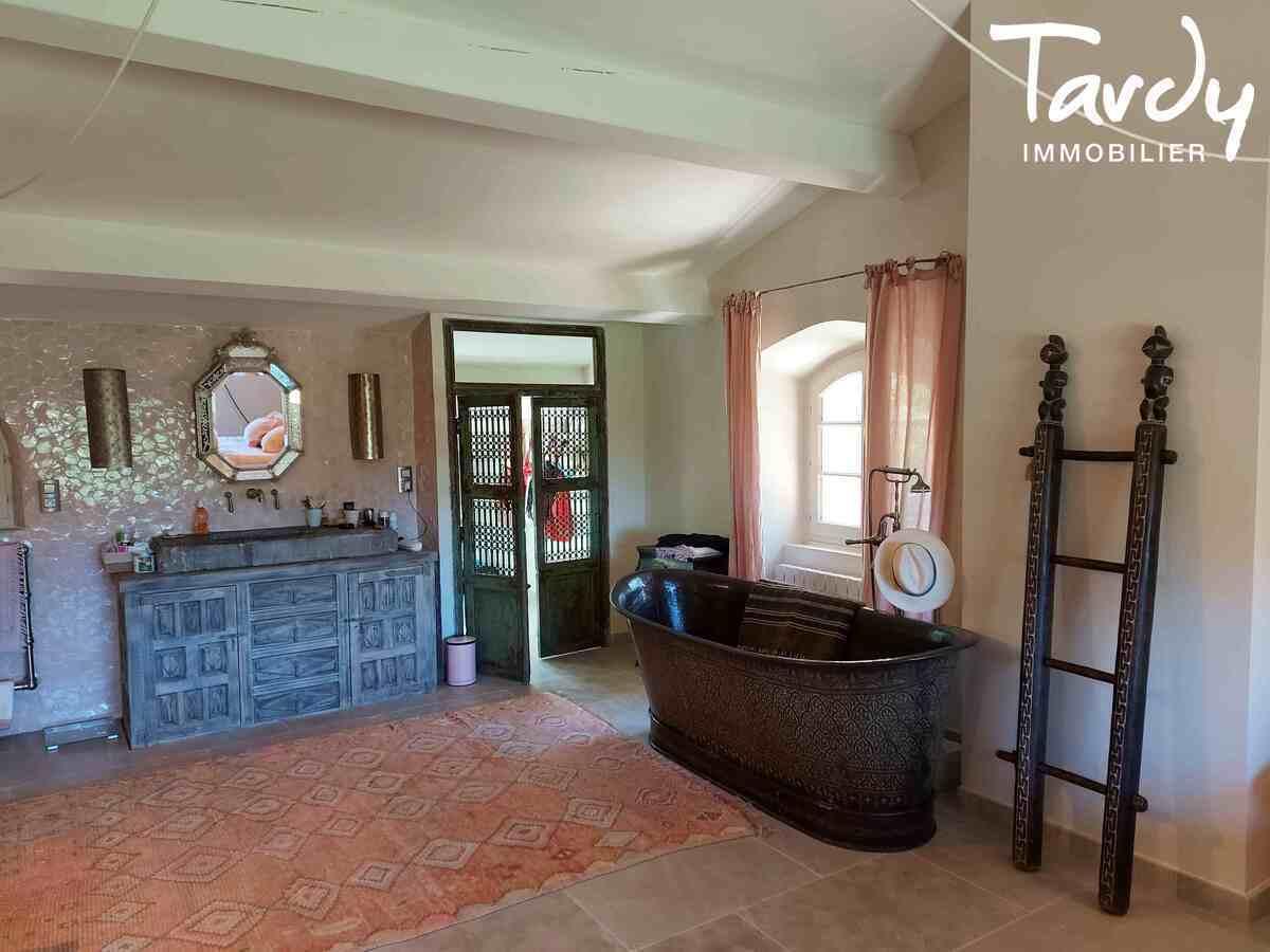 Superbe bergerie de caractère rénovée - environnement privilégié - 13840 ROGNES - Aix-en-Provence