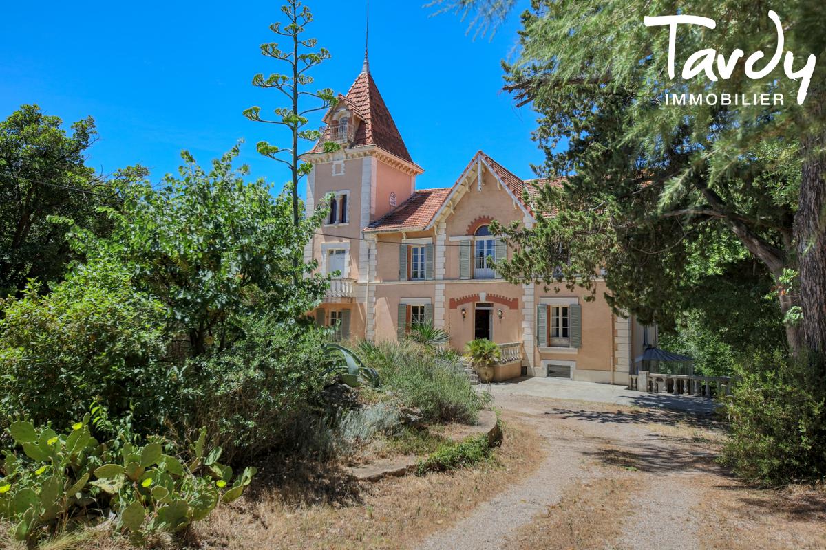 Propriété au calme sur 3,2  hectares - 83510 LORGUES - Lorgues - Exclusive properties Côte d'Azur