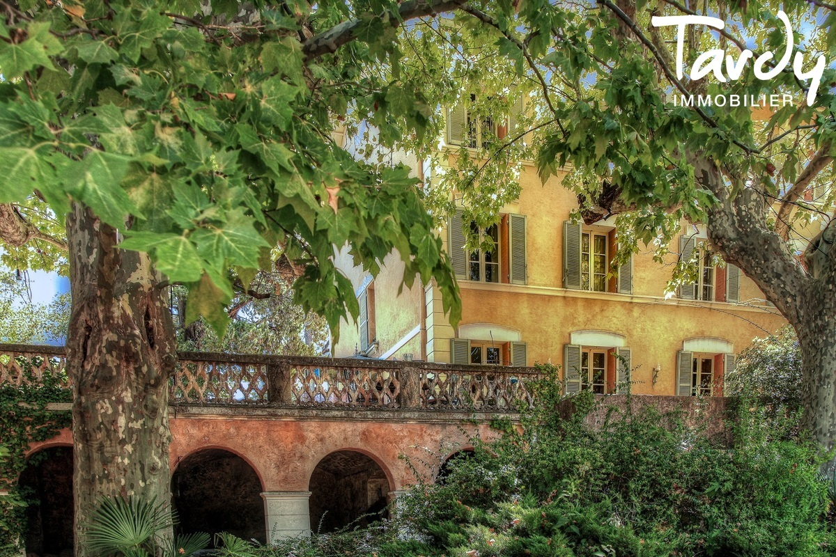 Propriété au calme sur 3,2  hectares - 83510 LORGUES - Lorgues - maison dans la campagne  à vendre var